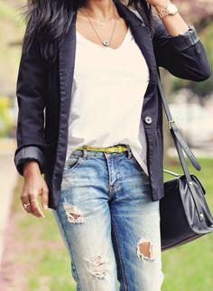 boyfriend jeans outfit