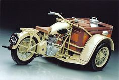 Peugeot Triporteur This is a fantastic Model,,,I would like one for real!!