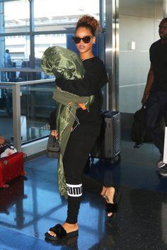 9/14 - Rihanna at JFK Airport.
