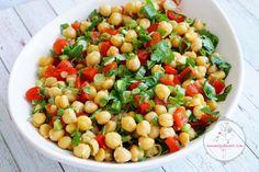Salata tariflerimden Tahin soslu nefis nohut salatası