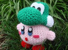 Kirby crochet! I already made one of these, but the Yoshi hat is a nice touch ^.^