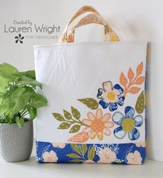 Colorful Fabric Flower Appliqué Tote Bag with Fusible Fleece - Therm O Web Farmhouse Fabric, Ladder Stitch, Bag Patterns To Sew, Sewing Patterns, Flower Applique, Applique Ideas, Blanket Stitch, Quilting Tips, Threading