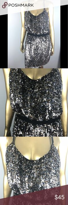 Adrianna Papell evening sparkle prom/formal sz 12 Adrianna Papell  Beautiful very sparkly sequin dress  Fantastic condition Size 12 (18 inch chest x 27 inch length from armpit to knee)  💎💎💎💎💎💎💎 Adrianna Papell Dresses Prom