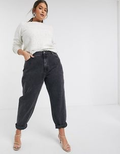 Shop ASOS DESIGN Curve high rise 'Slouchy' mom jeans in washed black. Curvy Girl Outfits, Curvy Girl Fashion, Edgy Outfits, Winter Fashion Outfits, Retro Outfits, Black Mom Jeans Outfit, Mom Jeans Style, Plus Size Mom Jeans, Pajama Pants Pattern
