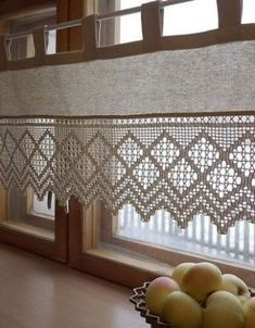 Las cortinas a crochet para cocina como no las has imaginado crochet curtains for small kitchen 30 Great ideas forSee our selection with coCrochet book – Book in Crochet Curtains, Lace Curtains, Curtains With Blinds, Crochet Doilies, Valance, Filet Crochet, Crochet Kitchen, Crochet Home, Kitchen Window Treatments