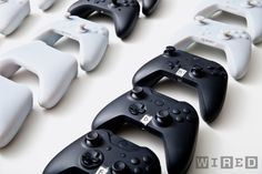 The team considered nearly 200 versions of the controller before settling on the final one. Design Thinking Process, Design Process, Clever Gadgets, Amazing Gadgets, Tech Gadgets, Room Maker, Innovation Strategy, Xbox One Controller, The Design Files