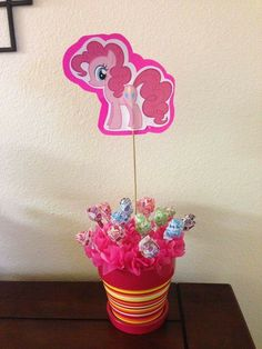 Pinkie Pie (My Little Pony) table decoration My Little Pony Birthday Party, 4th Birthday Parties, Birthday Party Decorations, 5th Birthday, Birthday Ideas, Pinkie Pie Party, Cumple My Little Pony, Rainbow Dash Party, Little Poney
