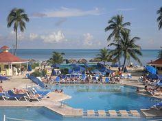 Pool.. #pool #Bahamas