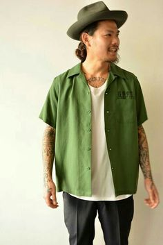 Modern Mens Fashion, Vintage Fashion, Tailored Shirts, Rockabilly Fashion, Urban Outfits, Look Chic, Mode Style, Vintage Shirts, Simple Outfits