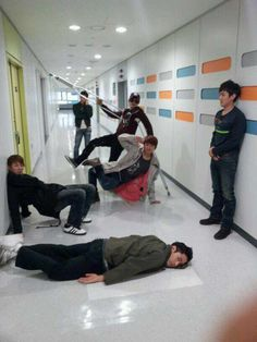 Shinhwa shares hilarious selca // these are men in their lol--dorks