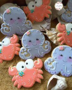 - Happy and Crabby by Teri Pringle Wood Mermaid Cookies, Fish Cookies, Fancy Cookies, Iced Cookies, Cute Cookies, Cupcake Cookies, Cookies Et Biscuits, Cupcakes, Macaroons