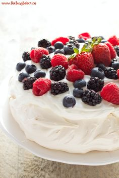 The Busy Baker: The Perfect Pavlova
