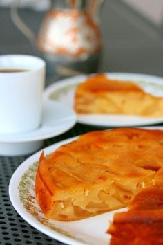 「定番中の定番!アップルヨーグルトケーキ」20年以上かけて改良した自信作のケーキです。りんごとヨーグルトがあれば簡単に作れますよ!ブランデーの香りがたまりません!【楽天レシピ】