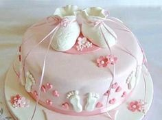 cake for a newborn girl Tortas Baby Shower Niña, Torta Baby Shower, Button Cake, Cake Decorating With Fondant, Baby Girl Cakes, Elegant Baby Shower, Engagement Cakes, Character Cakes, Crazy Cakes
