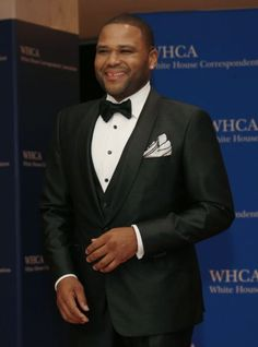 Actor Anthony Anderson arrives for the annual  White House Correspondents' Association Dinner in Washington April 25, 2015. (Photo: Jonathan Ernst/Reuters)