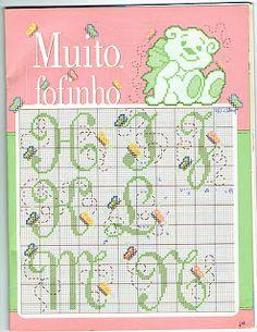 Este lindo esquema (super delicado) encontrei no Blog www. bordadosempontocruzdaju.blogspot.com/   Já estou imaginando umas barrinhas de to...