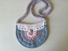 torebeczka na szydełku, crochet girl purse, video tutorial Crochet Girls, Crochet Videos, Straw Bag, Crochet Earrings, Purses, Video Tutorials, Diy, Bags, Jewelry
