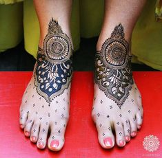 Trendy New Bridal Feet Mehendi Designs! *From Subtle To Over-The-Top! | WedMeGood