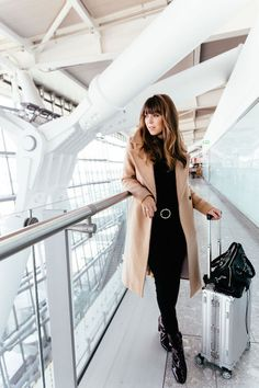 Get The Perfect Cozy and Chic Travel Outfit