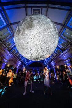 The Natural History Museum have opened Museum of the Moon in their Jerwood Gallery, a huge art installation that's crying out for your to say 'I do' under! Under The Moon, Under The Lights, Unusual Wedding Venues, Unique Weddings, Places To Get Married, Got Married, Natural History Museum, Creative Wedding Ideas, Wedding Reception Decorations