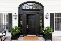 Hillcrest Estate Welcomes You To Waco, Thanks To Chip And Joanna Gaines - Luxe Interiors + Design House Paint Exterior, Exterior Design, Black Front Doors, Black Shutters, Front Door Design, House Entrance, Door Entry, House Front, House Painting
