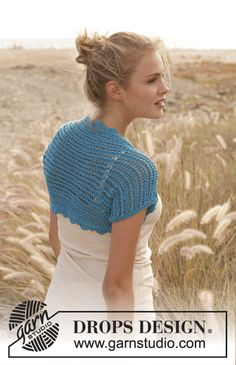 "Knitted DROPS bolero with lace pattern in ""Cotton Light"". Size: S - XXXL. ~ DROPS Design"