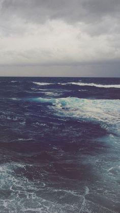 Dark ocean http://theiphonewalls.com/dark-ocean/