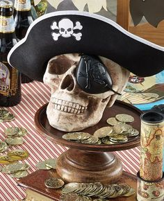 This pirate skull centrepiece would be perfect for a pirate party. Scatter gold coins around it for an awesome pirate look! Pirate Halloween Decorations, Decoration Pirate, Pirate Halloween Party, Pirate Birthday, Pirate Party Centerpieces, 5th Birthday, Birthday Parties, Baseball Birthday, Baseball Party