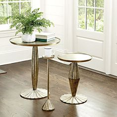 Add stylish designer coffee tables, side tables and more to your living room spaces. Find your perfect new coffee table and accent tables to finish the living room from Ballard Designs! Side Table Decor, Table Decorations, Small Accent Tables, Small Tables, Ottoman Decor, Farmhouse Side Table, Drink Table, Family Room Design, Nesting Tables