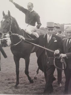 Epsom Derby, Royal Palace, Horse Racing, Horses, Animals, Twitter, Necklaces, Animales, Animaux
