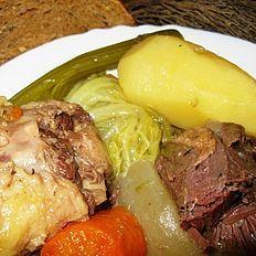 Pot au feu de Joue de Boeuf Healthy Crockpot Recipes, Cooking Recipes, Good Food, Yummy Food, French Food, Pot Roast, Lunch, Beef, Meals
