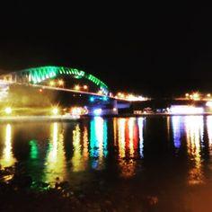 Instagram【airiris0505】さんの写真をピンしています。 《2016.09 統営大橋 . 大橋…💧 大きさはともかく ミントカラーがかわいいから許すっ😆 . . 2016.09 통영대교 . 대교...💧 어쨌든  민트 색 조명은 예뻤다😆 . . #旅#韓国旅行#統営#夜景ら部#夜景#旅で出会った素敵な景色#写真好きな人と繋がりたい #ファインダー越しの私の世界#水面反射 #여행스타그램 #풍경#풍스타그램  #통영#바다#야경#불빛#반영#trip#travel#korea#tongyoung#ig_korea#onlyinkorea#photooftheday#nightview#reflection》
