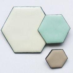 Megan Perkins Honeycomb Cluster Brooches - White/Aqua