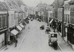 De Haagdijk in 1907 ter hoogte van de Gampelstraat (rechts), met links achter de toren van de Kathedraal aan de Prinsenkade. Pearl City, Old Photos, Holland, Street View, Architecture, Places, Image, Memories, Historia