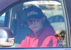 Bruce Jenner Sex Change: Kim Kardashian And Khloe Kardashian Respecting Bruce's Transition, Call Him 'Momma'