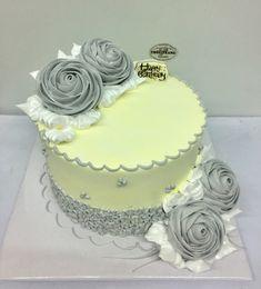 Cake Decorating Piping, Creative Cake Decorating, Cake Decorating Designs, Cake Decorating Videos, Cake Decorating Techniques, Creative Cakes, Beautiful Cake Designs, Beautiful Cakes, Whipped Cream Cakes