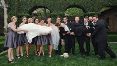 Fun picture for the bride, groom, and bridal party | villasiena.cc