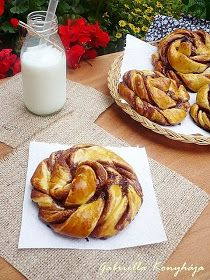 Gabriella kalandjai a konyhában :): Kakaós csavart csiga Winter Food, Cinnamon Rolls, Apple Pie, Baking Recipes, Pizza, Cooking Recipes, Cinammon Rolls, Grilling Recipes, Cake Recipes