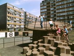 Britain's brutalist playgrounds - Churchill Gardens estate in Pimlico, London, 1978 - The Guardian