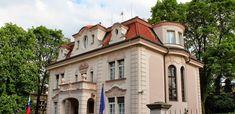 Praha Neznámá: průvodce po pražských čtvrtích Peru, Mansions, House Styles, Travel, Home Decor, Turkey, Viajes, Decoration Home, Manor Houses