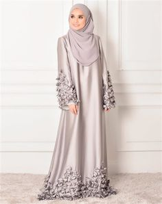 30 Party Gamis Models For Fat Women In Tesettür Şalvar Modelleri 2020 Hijab Evening Dress, Hijab Dress Party, Abaya Designs Latest, Abaya Fashion, Fashion Outfits, Wedding Robe, Moslem Fashion, Arabic Dress, Mode Abaya