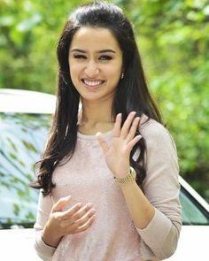 Shraddha Kapoor hot images and HD wallpapers. Read more about Shraddha Kapoor movies. Find latest photos of her only at Film Account. Shraddha Kapoor Hot Images, Shraddha Kapoor Cute, Sonam Kapoor, Cute Celebrities, Indian Celebrities, Bollywood Celebrities, Celebs, Hindi Actress, Bollywood Actress