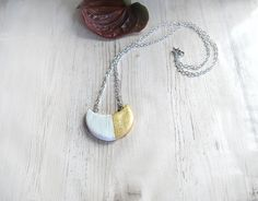Modern cold porcelain necklace half-moon gold white elegant design pendant necklace necklace for women jewelry stores jewellery fashion