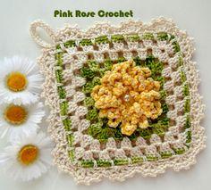 Olá!     Um Quadradinho Granny Square com   a Flor Zínia , um lindo Motivo de Crochê ,   perfeito para mais um Pega Panelas,  para   usa...