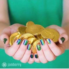 Happy nails, Happy St. Patrick's Day!