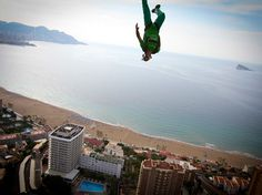 Base Jumping in Benidorm, Spain . National Geographic Wallpaper, National Geographic Photos, Jumping Pictures, Costa, Adventure Photos, On The Road Again, Base Jumping, Skydiving, World Records