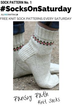 Knitting Patterns Slippers This knitting pattern from Balls to the Walls Knits is so cute! Hand Knitting Yarn, Knitting Socks, Knitting Patterns, Knitting Ideas, Knitting Projects, Hand Knit Blanket, Knitted Blankets, Crochet Socks, Knitted Slippers