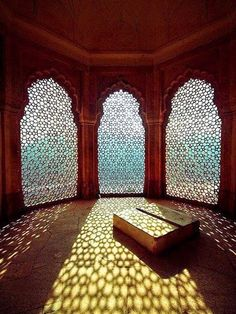 Light patterns in Amer Fort Palace, India