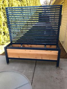 Adjustable height table to be both the same hight of my bench, and fit under it. Privacy Planter, Outdoor Privacy, Backyard Privacy, Porch Privacy, Balcony Privacy Plants, Fence Planters, Backyard Patio Designs, Backyard Projects, Outdoor Projects