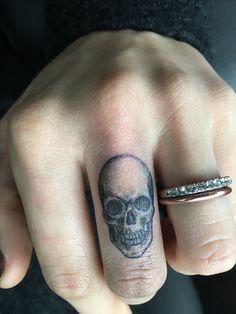 #skulltattoo #fingertattoo #tattoo #ink #girlswithtattoos